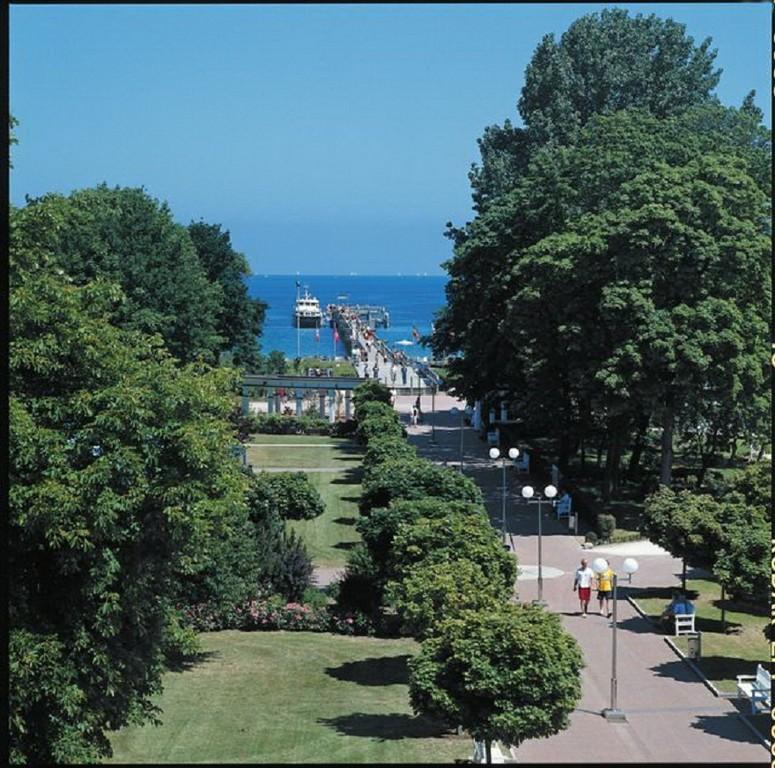 Kurpark und Seebrücke Boltenhagen